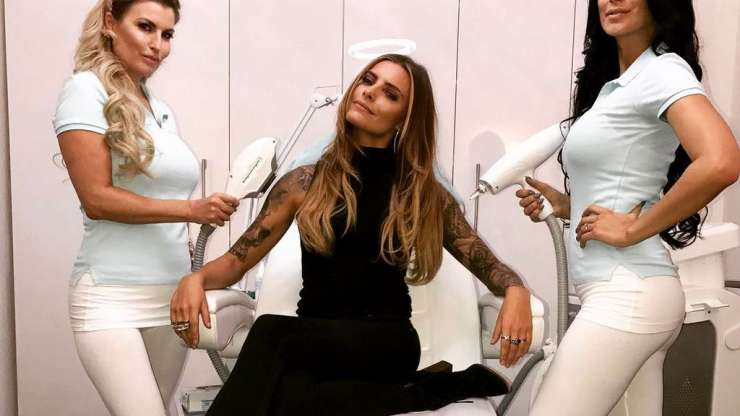 Sophia Thomalla lässt sich Tattoo entfernen